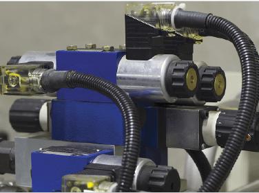 Remplacement d'un filtre hydraulique endommagé